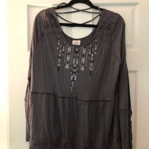 Long sleeved, bell-sleeved gray  embroidered top